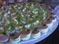 Canapes, tapaditos, pizzas, dulces, chocolates todo para su cocktail