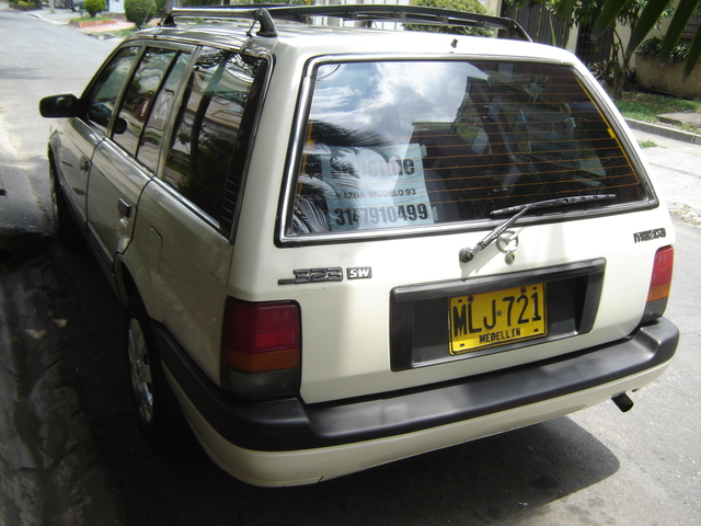MAZDA 323 STATION WAGON MODELO 1993 - Carros - Antioquia