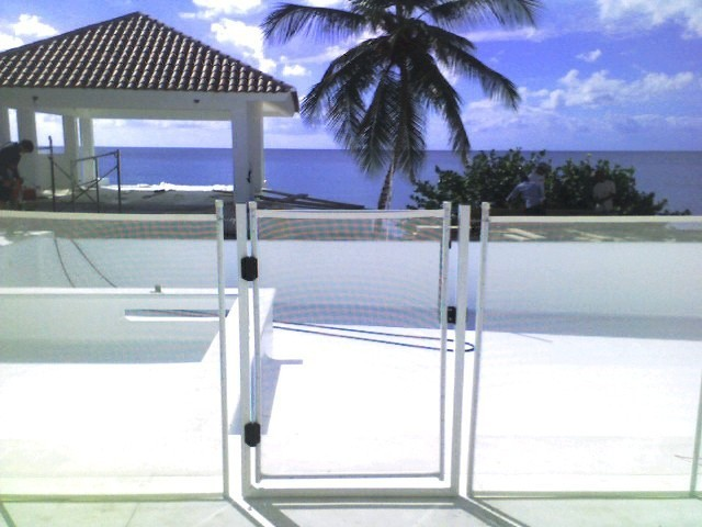 Mallas y Verjas de Proteccion para piscinas (Pool Guard)