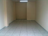 SE ARRIENDA LOCAL FRENTE AL HOSPITAL SANTO DOMINGO $130 - Oficinas / Locales Comerciales - Santo Domingo