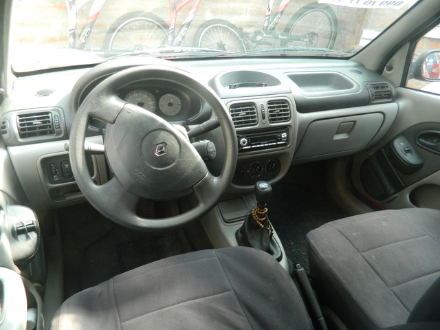 VENDO RENAULT CLIO - Autos - Quito